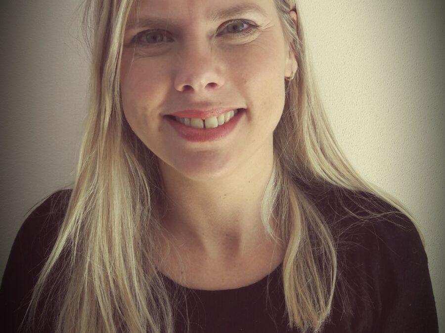 Anneleen Mol